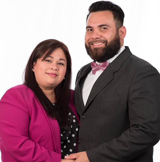 Ministros Raquel y Cristhian